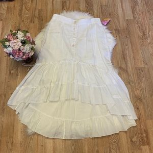 ♥️Cute Yank Loehmann's White Skirt size M